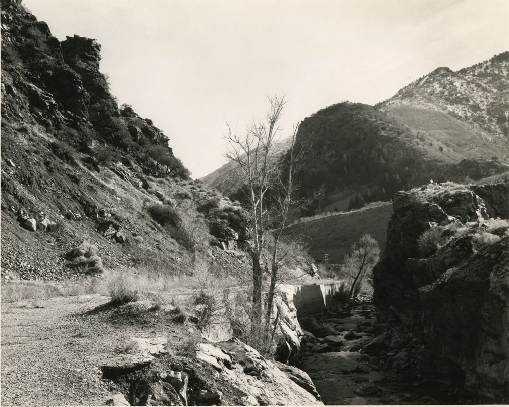 Rocky Pass with dead tree in the middle called Devil's Gate, Mark Ruwedel