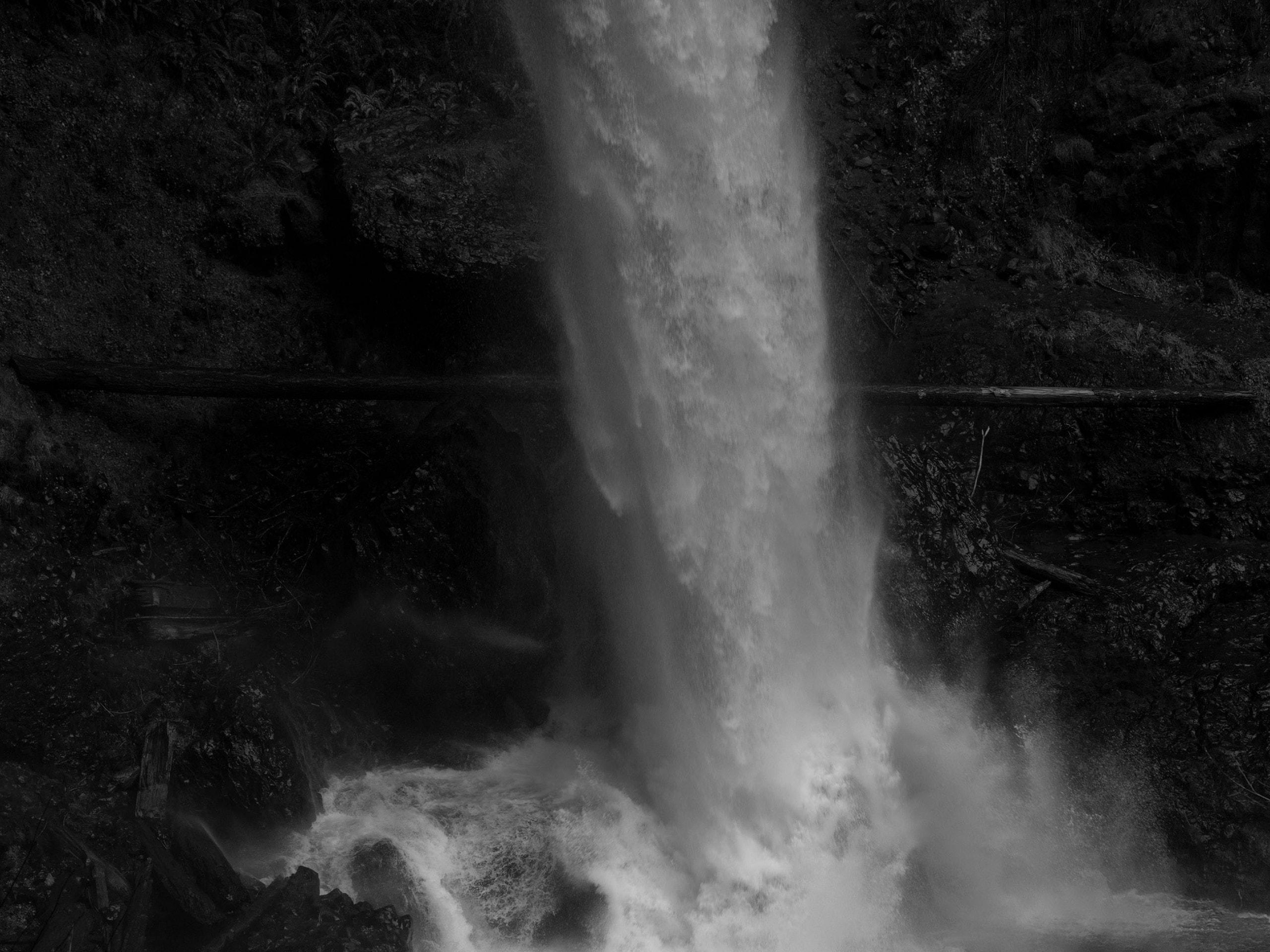 waterfall_042_42x56