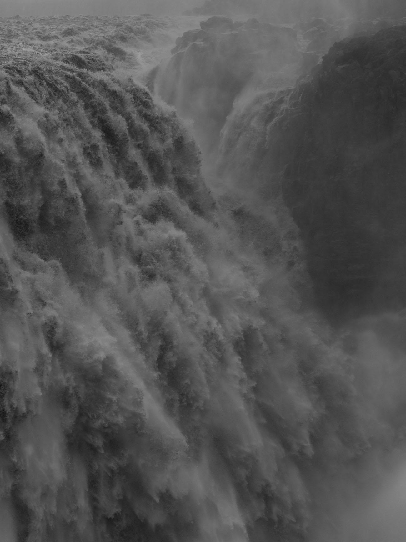 waterfall_045_56x42